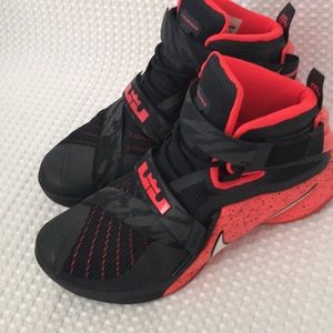 Black and red Leviton soldier 9